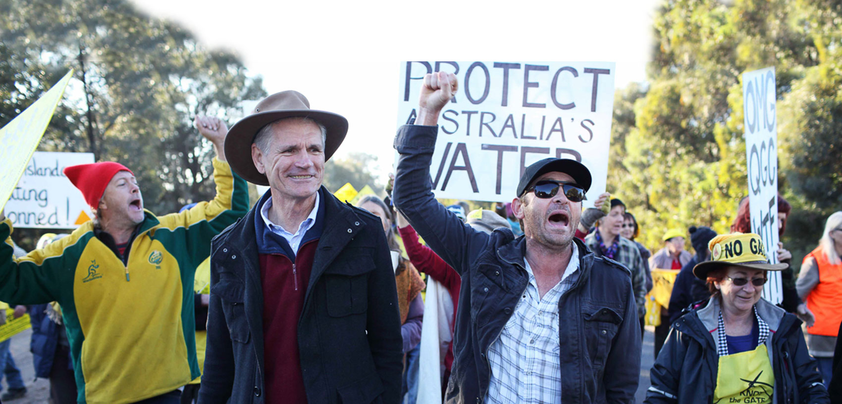 "Anti Coal Seam Gas mining protest, Tara, Queensland. (L) Drew Hutton, President Lock The Gate Alliance and Dayne ""The Frackman"" Pratzky. Photo: Andrew Quilty / Oculi for Smith & Nasht."